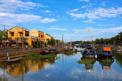 Tour Travelogue : Vietnam Danang Hoi An Hue