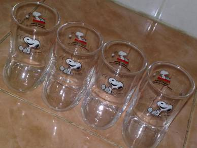Cawan snoopy boot glass cup