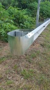 Galvanised guardrail W beam buffer end