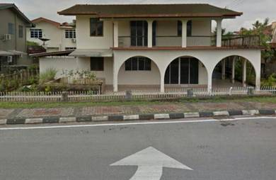 Huge Bungalow facing Jalan Laksamana Main Road (before Cityone)
