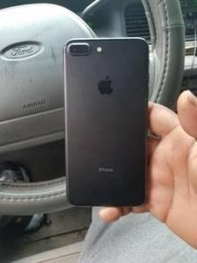 Minor paint chippiniPhone 7 Plus - 128GB - Black