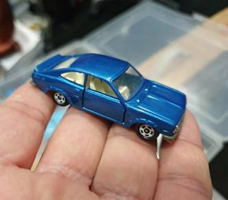 Tomica sunny 1200 coupe japan