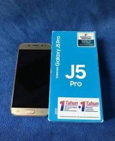 Samsung Glxy J5 pro