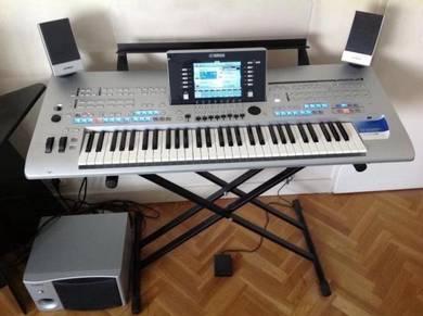 Yamaha tyros 4 professional arranger workstations