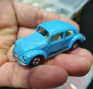 Tomica volkswagen beetle blue