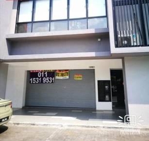 Glomac Centro shop Bandar Utama Kayu Ara