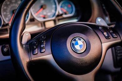 BMW E39 E46 E90 F10 F30 F50 Steering Logo Emblem