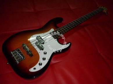Samick CR-1 Electric Guitar Bass