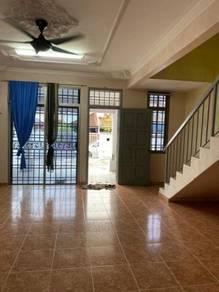 Double Storey Jalan Indah rumah sewa / Bukit Indah Landed House murah