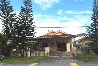Single storey bungalow at Paduka Setia, Kampung Boyan