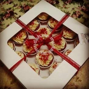 Red velvet caramelo cupcake