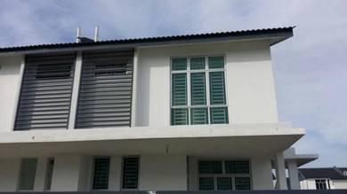 Semi Detached House (3Bed/Partial Furnish) in Mutiara Rini