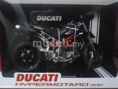 Ducati Hypermotard 2010 B