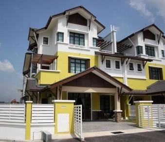 Bangi Last Bank Lellong Corner lot 3 Storey Renovated 24x90 Bumi Lot