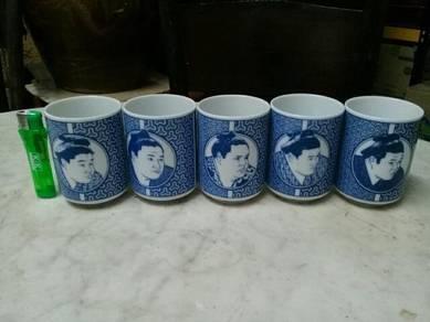 119 Cawan teh Sumo Japanese tea cup fr japan B