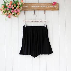 Black lycra cooling soft shorts pants skirt-like