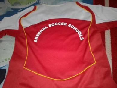 Arsenal soccer school jersey not nike
