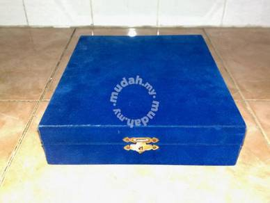 Kotak velvet blue storage box