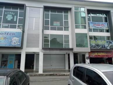 Shoplot Tepi Jalan Facing Jln Dato Musa,SamarIndah Kota Semarahan