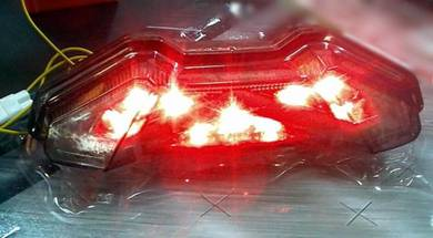 Yamaha mt09 mt-09 integrated tail light