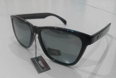 IDEAL SUNGLASSES (8825 bck silver)