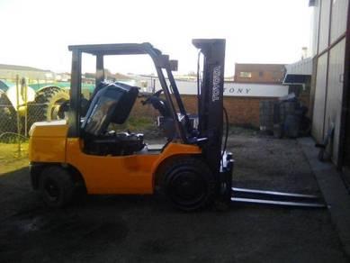 Toyota Diesel 3 Ton Forklift Like New