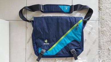 DEUTER LOAD Messenger Bag Midnight Turquoise Blue