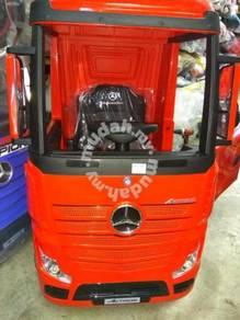 Kids electrick mercedise actros truck