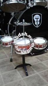 Drum Set pcs: Maroon without stool