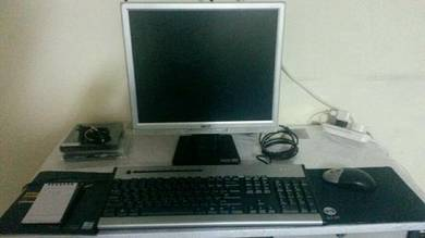 LCD Acer 17 inci