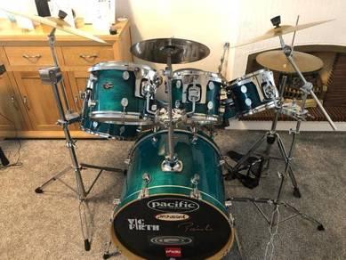 PDP Pacific 6 piece drum kit