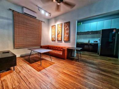 Palm Court Near Island Plaza 700sf 3-Rooms Fully RENOVATED &Furnished