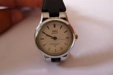 Q&Q Quartz Small White Dial Watch