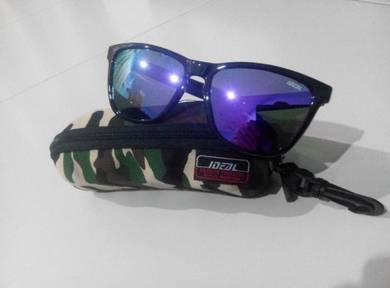 IDEAL SUNGLASSES (8825 shine bck purple mir)