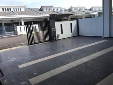 Tmn Kiaramas~Brand new 1 stry Terrace Hse