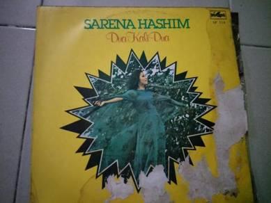 Piring Hitam LP Melayu Sarena Hashim