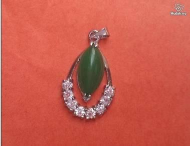 ABPJ-G008 Silver Crystal Green Jade Pendant Neckla