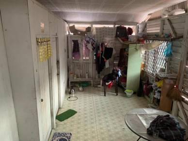 Jalan Lengkuk Atas 2-Storey Terrace 6-Rooms 2-Bathrooms 2751sf