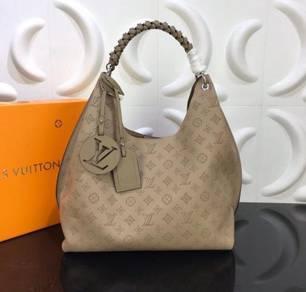 LV 35x40x17cm Taurillon Bag