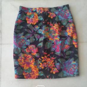 Floral Skirt With Full Lining ( price Reduced !!!