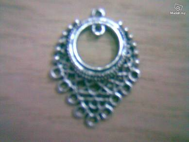 ABPSM-F001 Silver Metal Fancy-1 Pendant Necklace