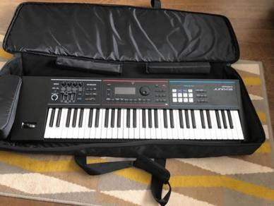 ROLAND JUNO DS61 keyboard
