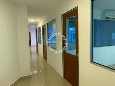 Usj taipan shop office 4000 sf with lift
