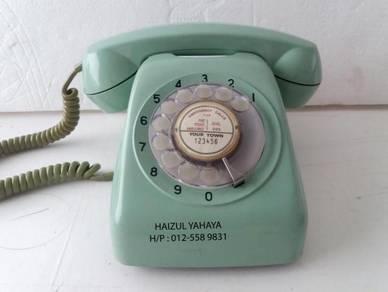 Telefon Antik/Antique Telephone 2