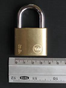 Pad Lock Yale 40mm Brass Padlock