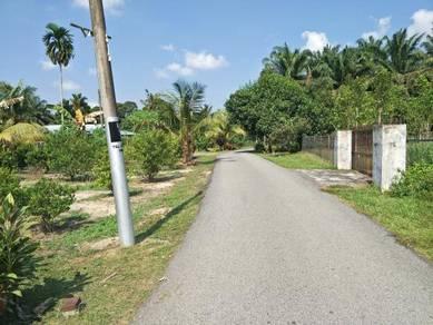 Tanah international lot freehold tepi jalan kampung di Kluang