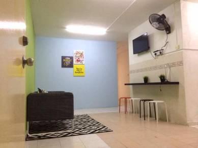 FREE WIFI-Bilik Private Perempuan Muslim-Flora Damansara- Aggrmnt Free