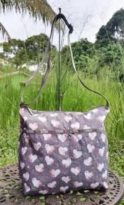 LESPORTSAC sling bag grey love kueii
