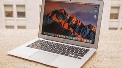 MacBook Air 13 Core i7 256GB SSD 8GB / YR 2015