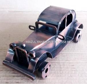 Vintage Classic Car 1 (Handmade)